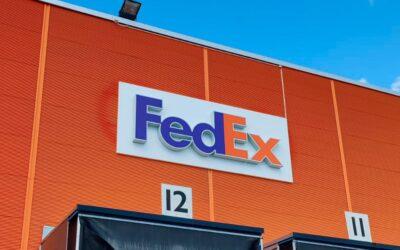 Skilte, pyloner og bildekorationer til FedEx