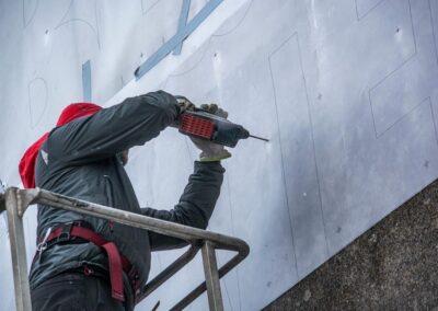 Montering af Blue Water Shipping facadeskilte