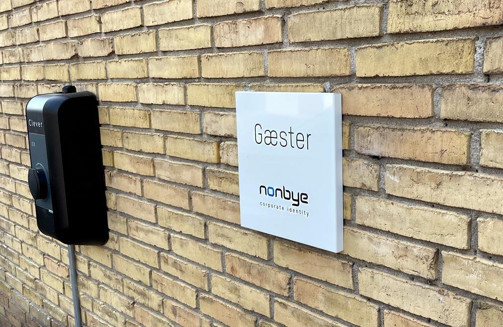 Nonbye tager stilling med en Clever ladestander - Nonbye A/S