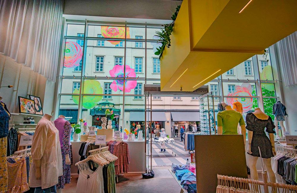 Folie på vinduer i Vero Moda - Nonbye A/S